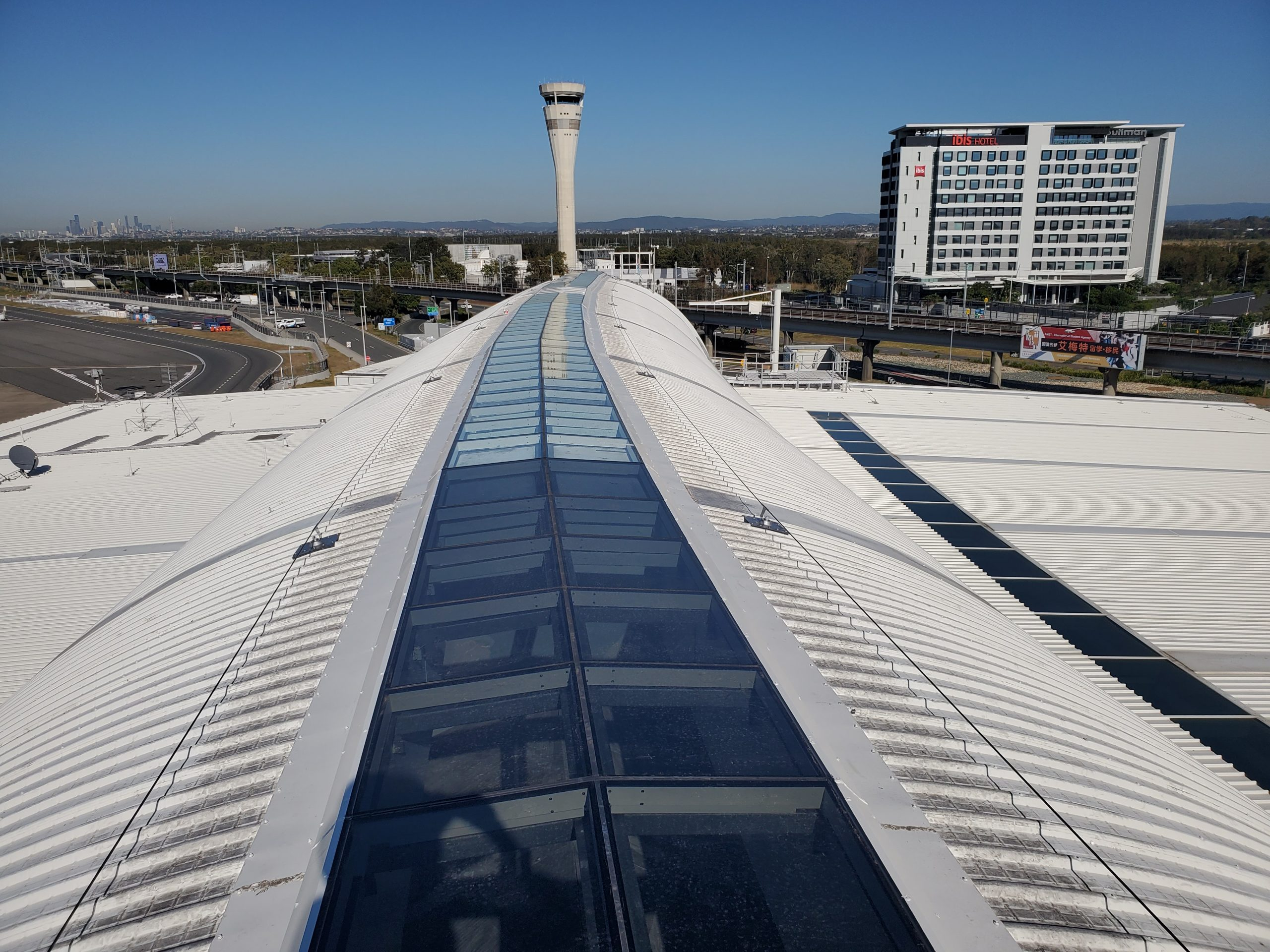 brisbane airport roof